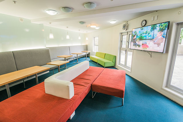 Columbia Apartments : Common Room